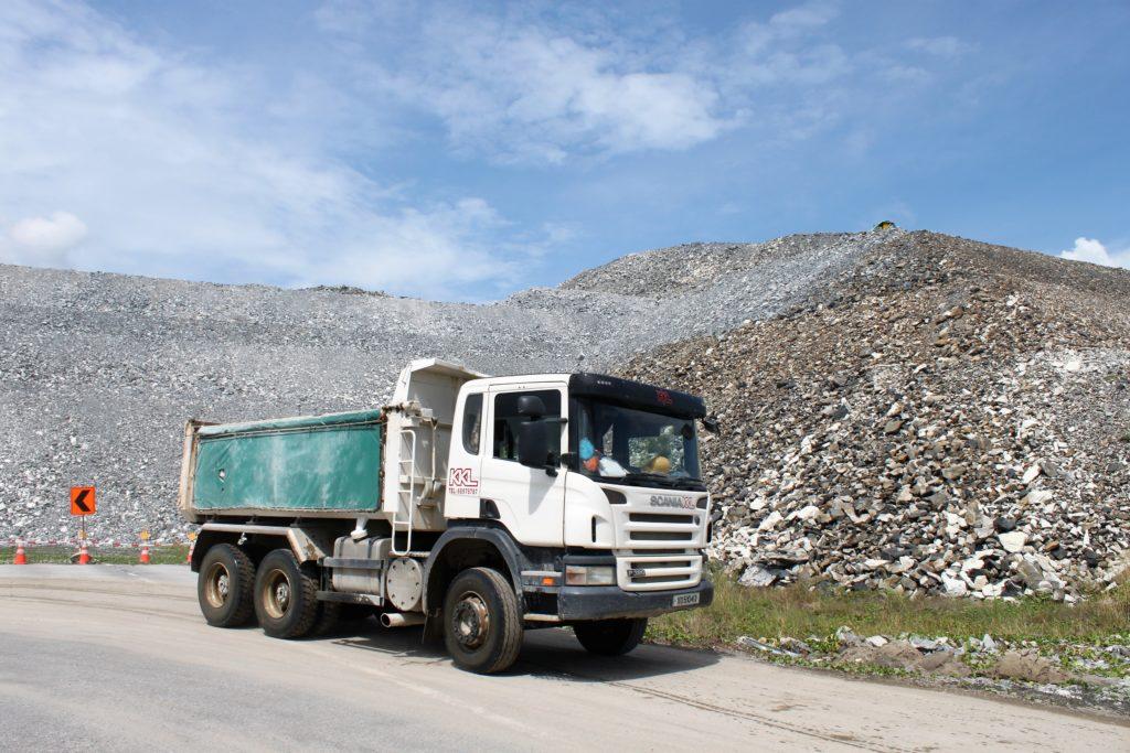 KKL Truck Transporting Hardcore Aggretate