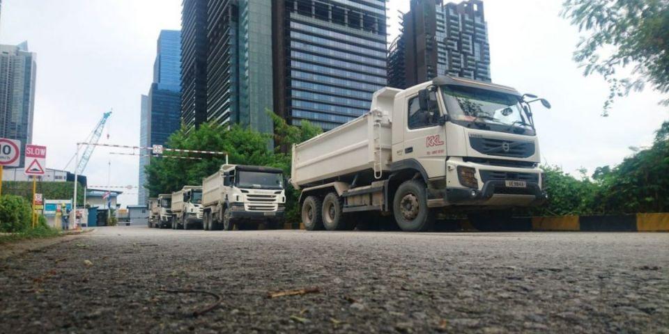 tipper dump truck rental singapore